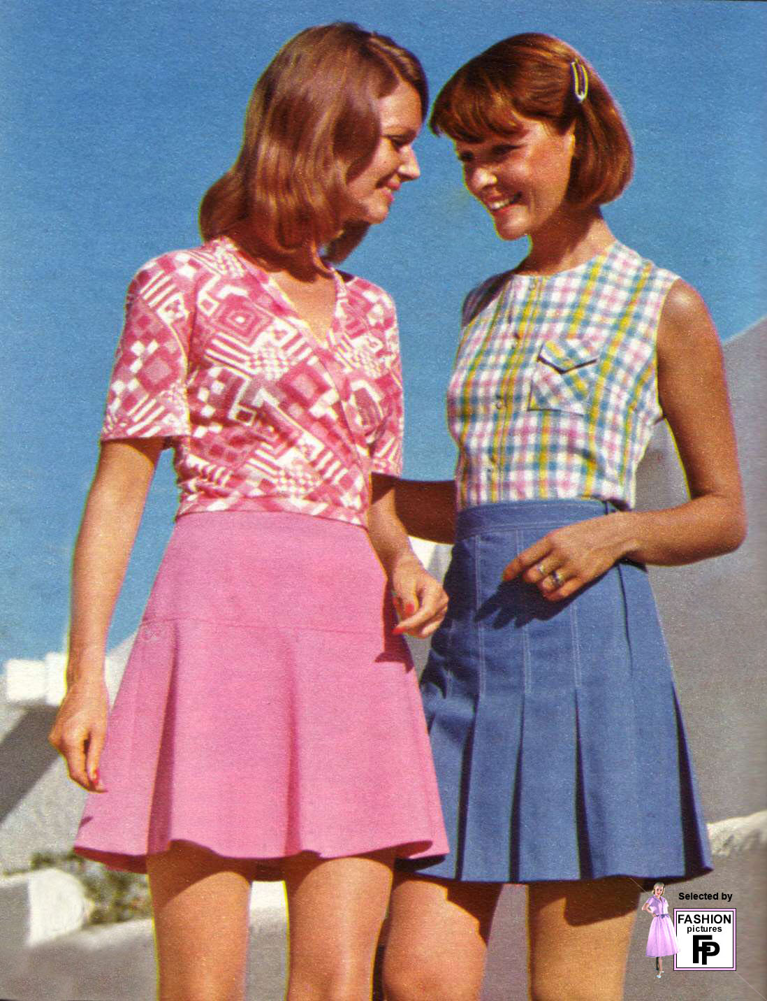 Retro fashion pictures from the 1950s 1960s 1970s 1980s and 1990s.