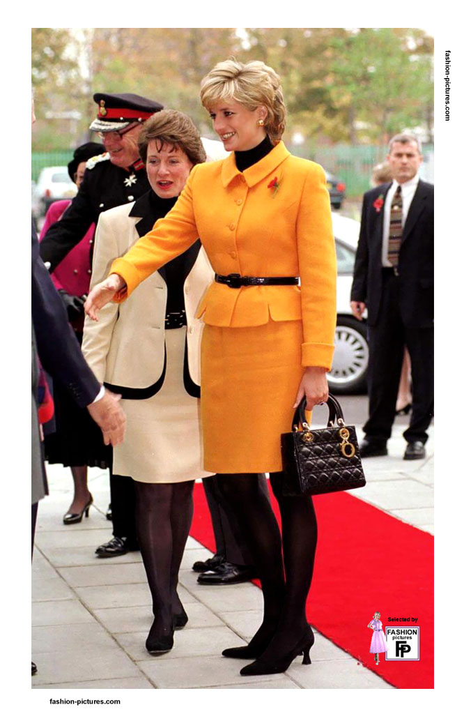lady-diana-skirt-suit-1980s-01
