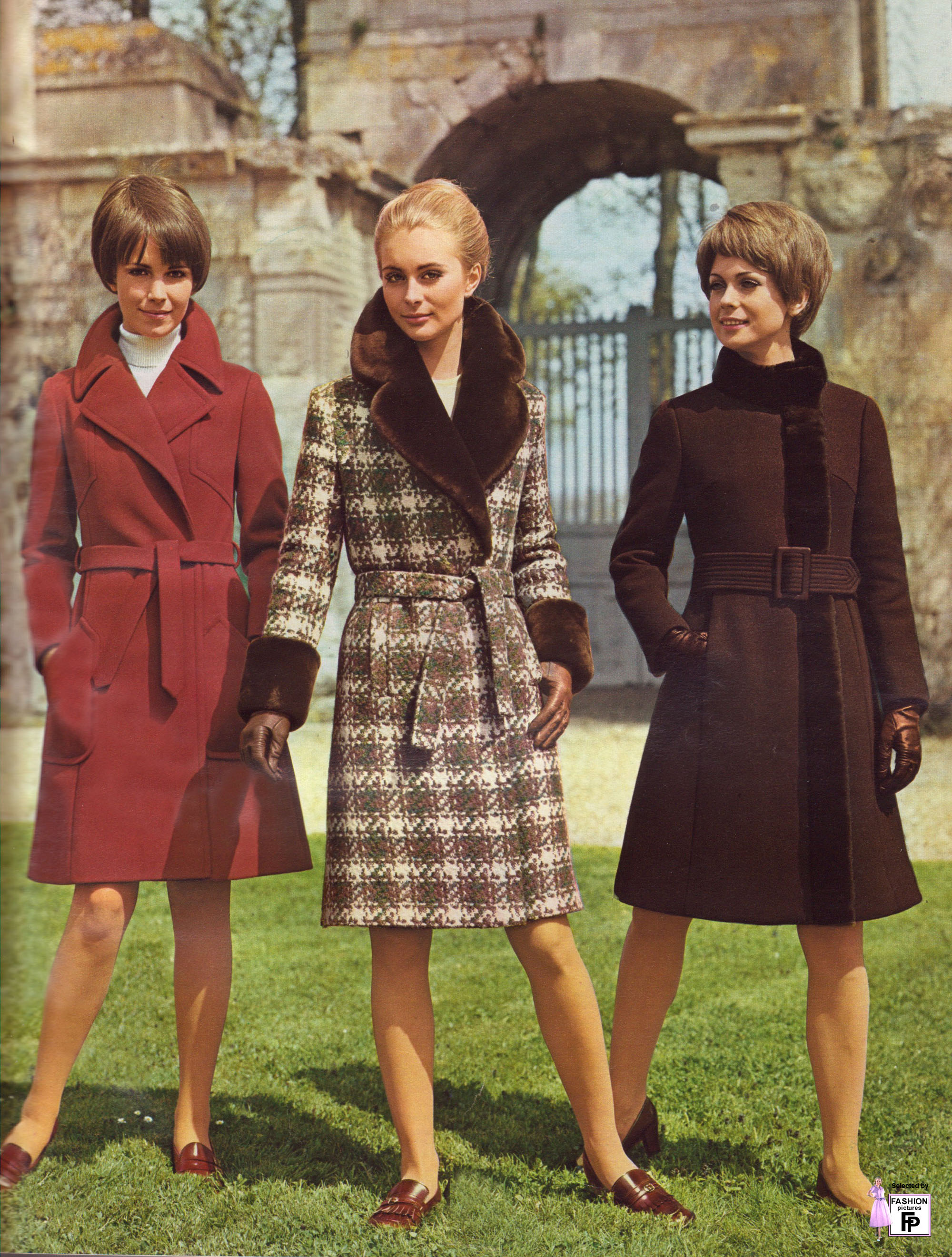 Fashion pictures from the 1950s 1950s Fashion History 50s Glamour, Dior New Look